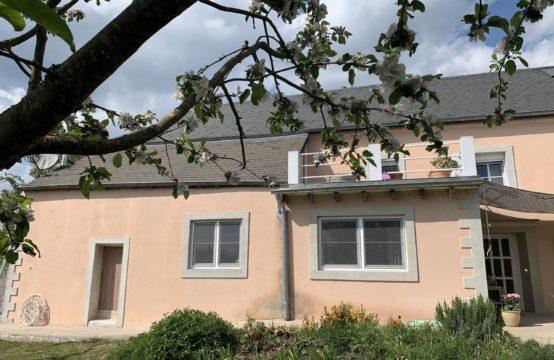 Très belle maison, 5 chambres, terrasses, jardin
