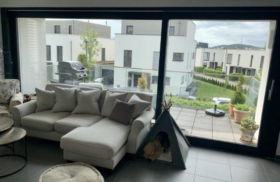 Bel appartement, 2 chambres, terrasse, cave, garage,  à louer à Bettembourg